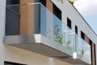 Szklana balustrada - trudny wybór?