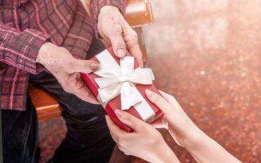 Dzień babci i dziadka - 6 pomysłów na prezent!