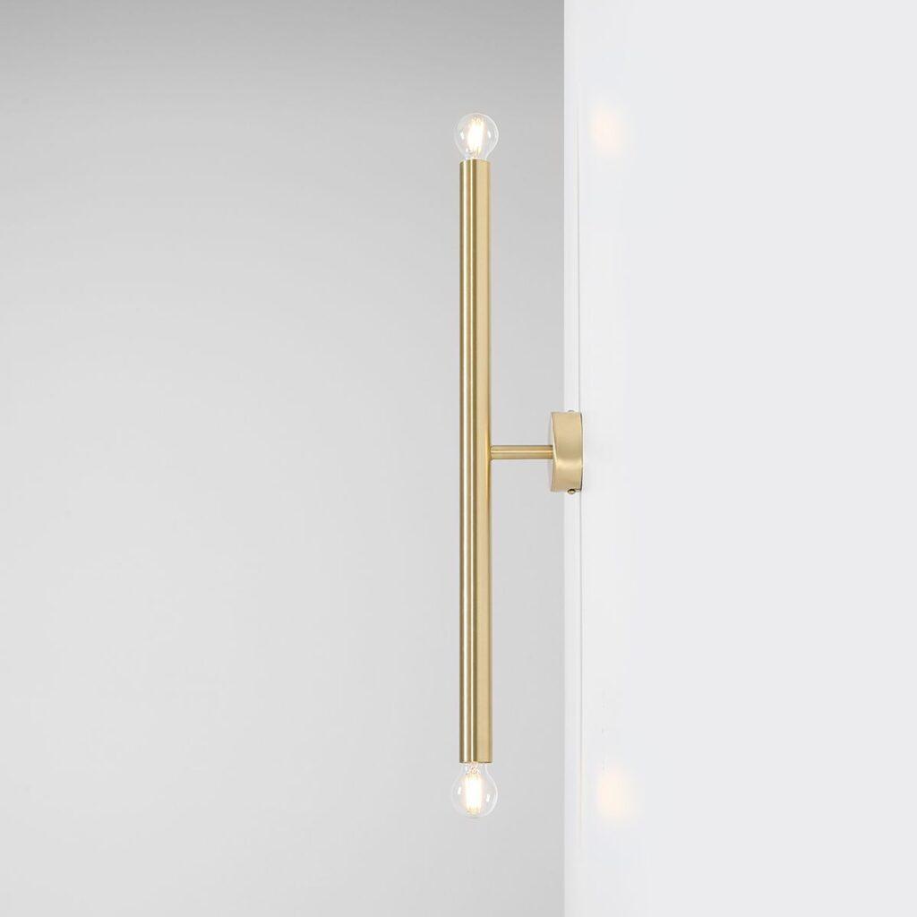 złota podłużna lampa ścienna