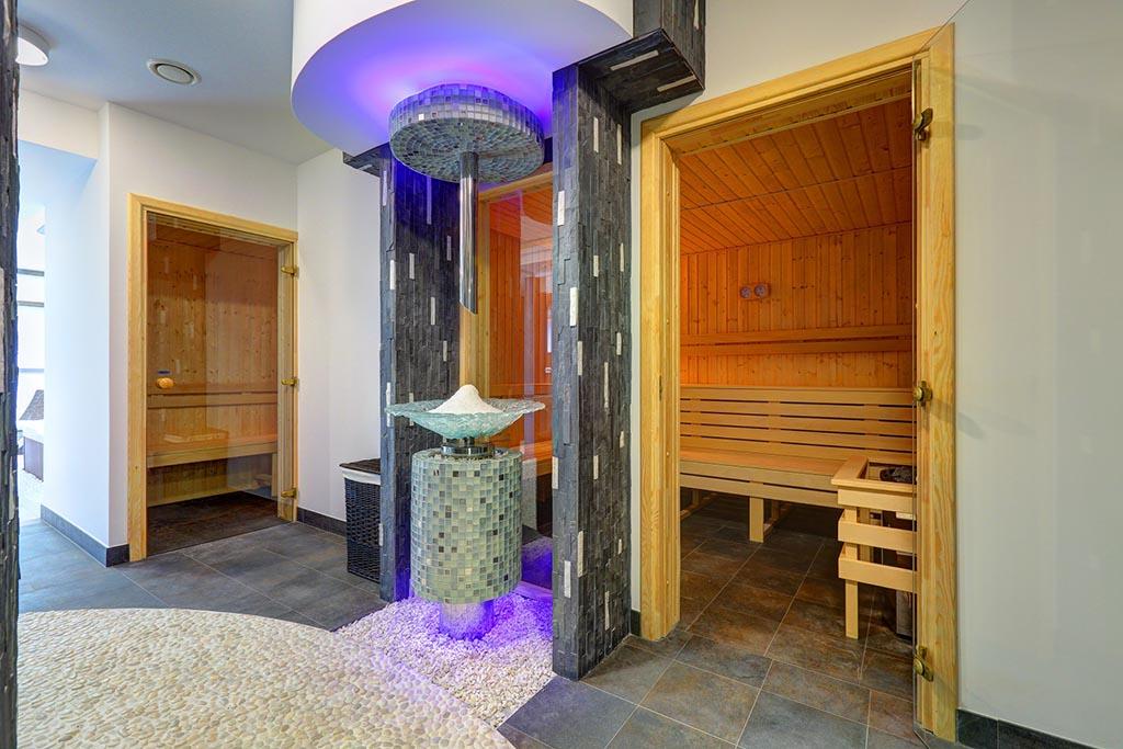 pomieszczenie spa z sauną